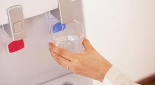 おいしい天然水と暮らそう