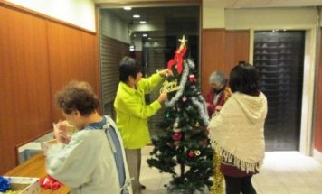 ポレスター鶴町公園 クリスマスツリー飾り付け会 2013年11月29日開催