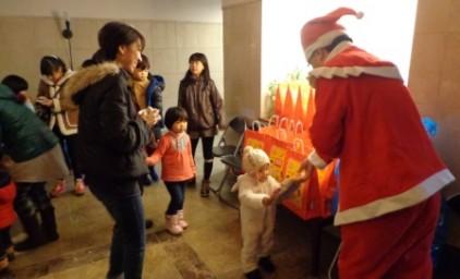 サンタさんからのプレゼント♪何かな?