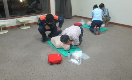 人工呼吸の実施訓練中です!