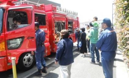最後に消防車への乗車見学のサプライズ!子供達は大喜びでした!