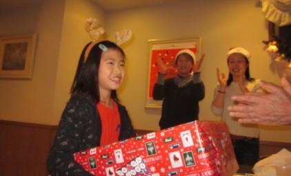 ビンゴゲームでプレゼントが増えました♪中身は何かな?