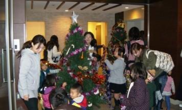 ポレスター宇品アクアテラ クリスマスツリー飾り付け 2015年12月5日開催