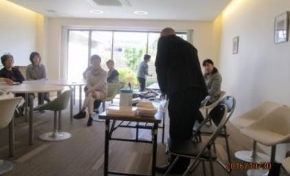 非常食を調理しながら地震発生時の避難生活等について、お話を伺いました。