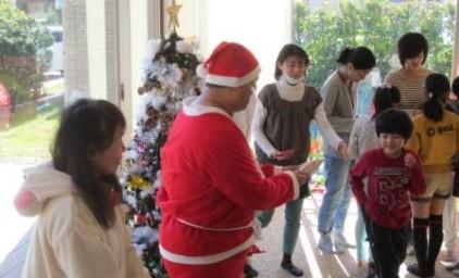 サンタさんからお菓子のプレゼント