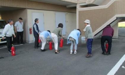 水消火器による消火訓練!!