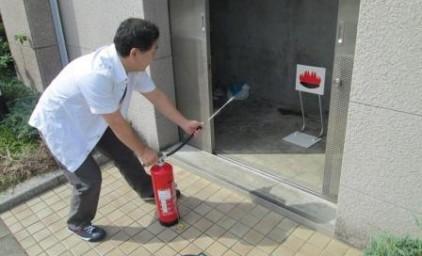 ゴミ置場で火災発生!初期消火!!