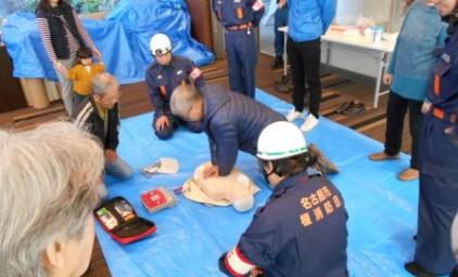 AED講習。みなさんとても真剣に取り組みました!