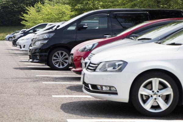 料金未納や放置自動車への対応は?マンションの駐車場のトラブル